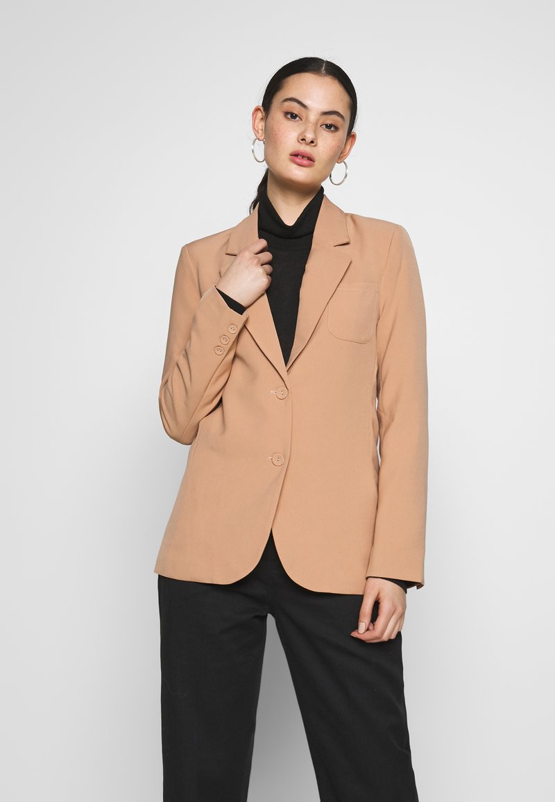 Fashion Union - BENJAMIN - Blazer - beige