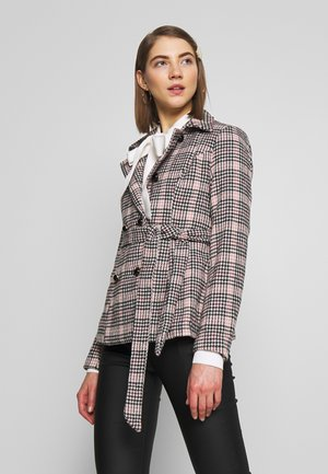 MODEL - Blazer - light pink