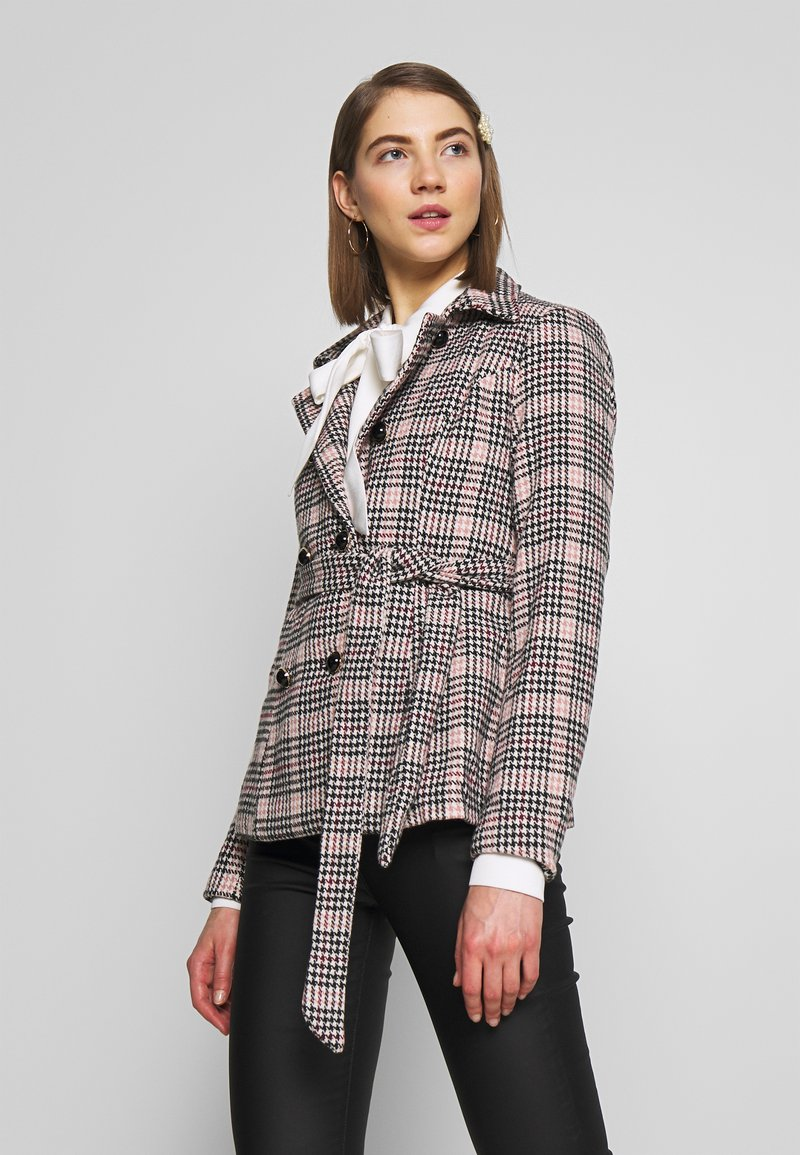 Fashion Union - MODEL - Blazer - light pink