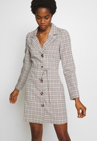 Fashion Union - ETTIE - Robe chemise - black/cream/brown - 0