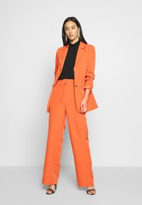 Fashion Union - PECHE - Krátký kabát - orange - 1