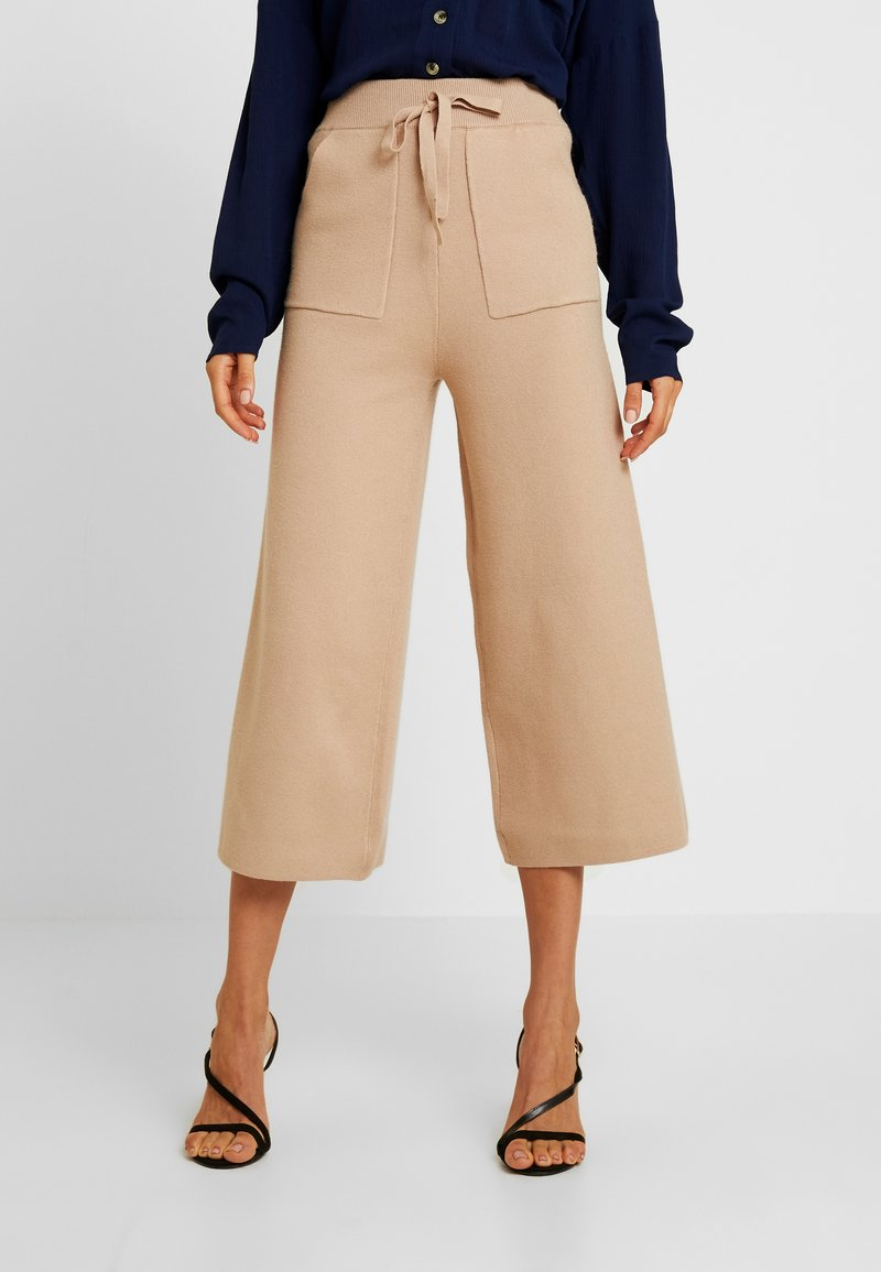 Fashion Union - BLUEMINK TROUSER - Trousers - oatmeal