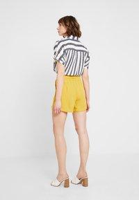 Fashion Union - TIMMY - Kraťasy - yellow - 2
