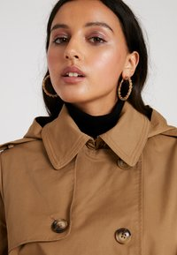 Fashion Union - TRENT - Trench - brown - 6