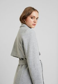 Fashion Union - LAYERS - Manteau classique - grey - 3