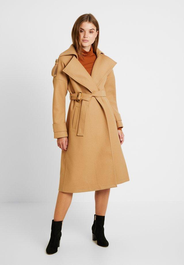OVERSIZEY - Zimní kabát - camel