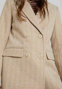 Fashion Union - TONEY - Zimní kabát - beige - 5
