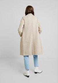Fashion Union - TONEY - Zimní kabát - beige - 2