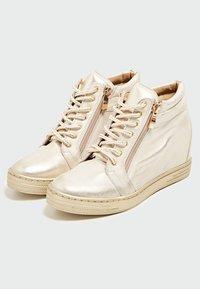 faina - Baskets basses - gold - 3
