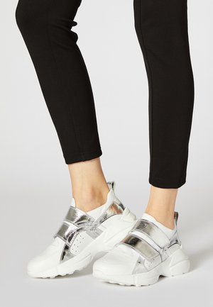 Sneakers laag - white/sliver