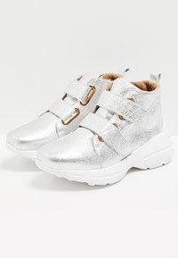 faina - Sneakers hoog - silver - 3