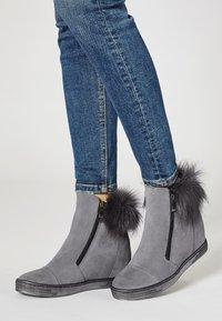 faina - Winter boots - grey - 0