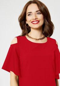faina - Day dress - red - 3