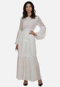 faina - KLEID - Maxi dress - weiss - 1