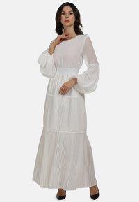 faina - KLEID - Maxi dress - weiss - 0