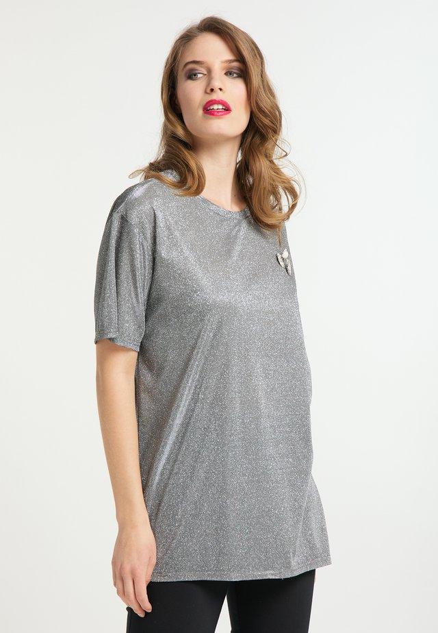 T-shirt imprimé - schwarz silber