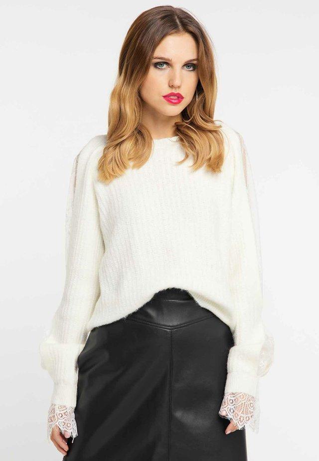 Stickad tröja - wool white