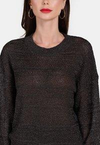 faina - Stickad tröja - black - 3