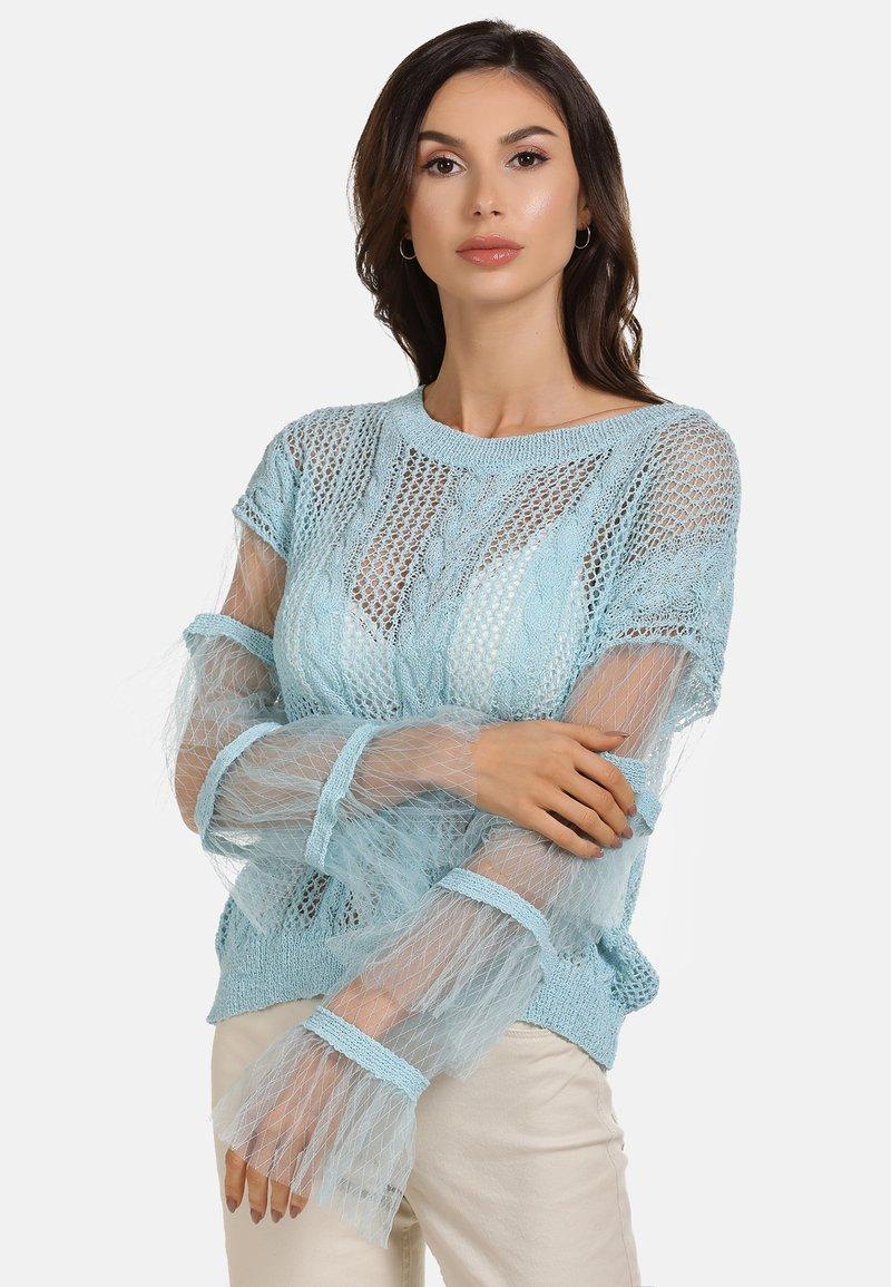 faina - Stickad tröja - light blue