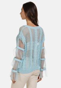 faina - Stickad tröja - light blue - 2
