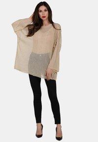 faina - Stickad tröja - beige - 1