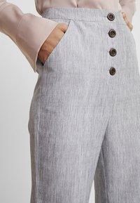 Fashion Union Tall - NERDY TROUSERS - Pantalones - grey - 4