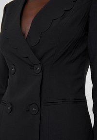 Fashion Union Tall - TORA SCALLOP TRIM - Sportovní sako - black - 4