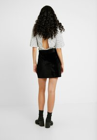 Fashion Union Tall - CANDY SKIRT FASHION BELTED - A-Linien-Rock - black - 2