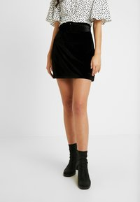 Fashion Union Tall - CANDY SKIRT FASHION BELTED - A-Linien-Rock - black - 0