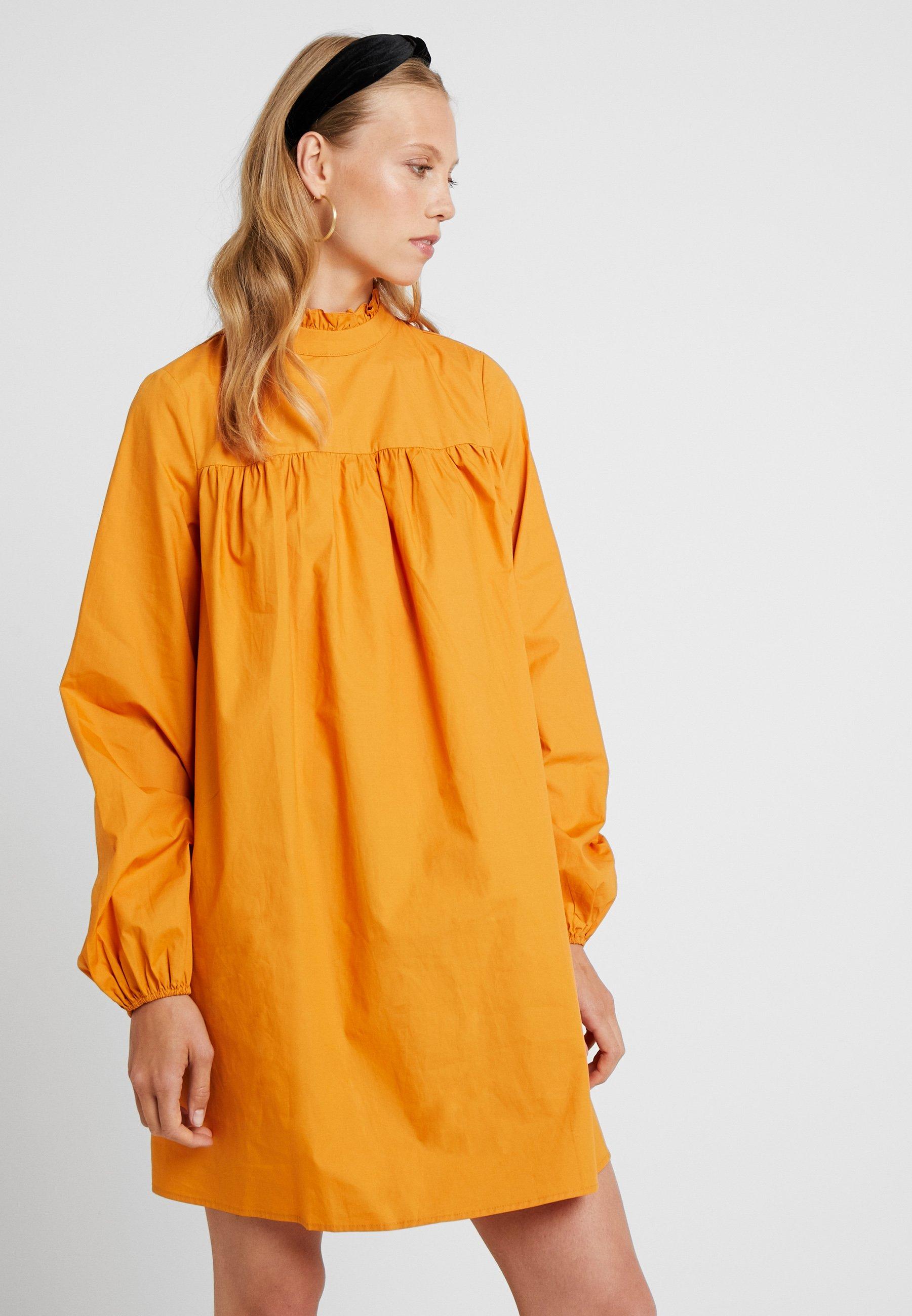 Fashion Union Tall Robe d'été - orange saffron