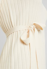 Fashion Union Tall - SPECIES - Strickkleid - oatmeal - 6