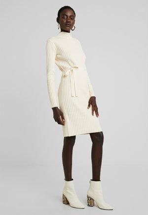 SPECIES - Strikket kjole - oatmeal