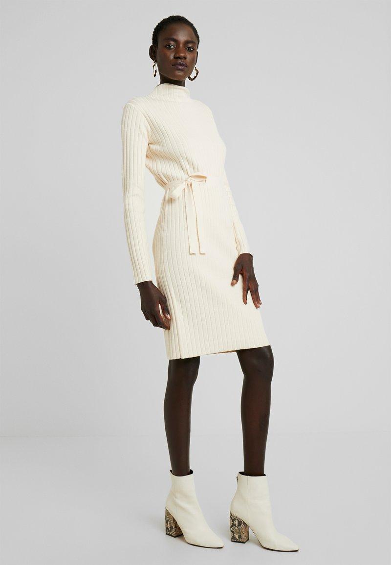 Fashion Union Tall - SPECIES - Strickkleid - oatmeal