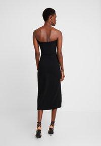 Fashion Union Tall - MARSHA BANDEAU MIDI DRESS - Robe fourreau - black - 2