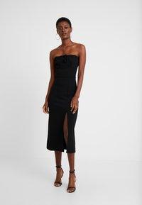 Fashion Union Tall - MARSHA BANDEAU MIDI DRESS - Robe fourreau - black - 1