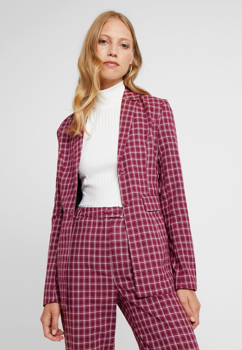 Fashion Union Tall - BRICK - Blazer - red