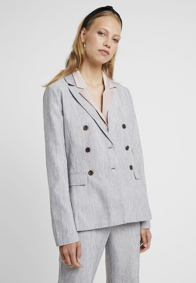 Fashion Union Tall - NERDY - Blazer - grey