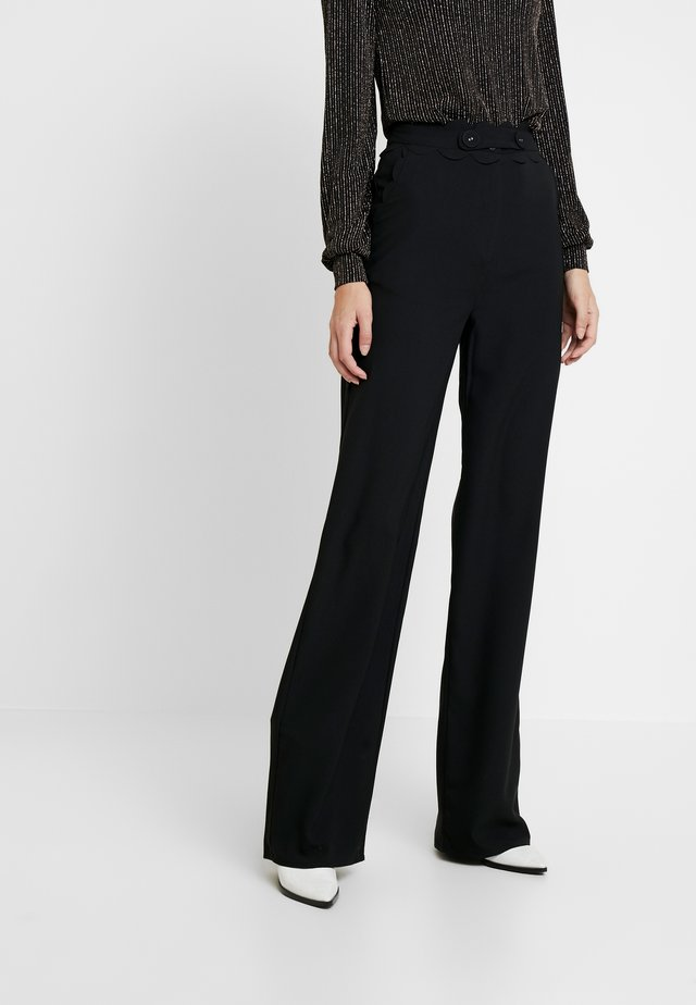 TORA SCALLOP TRIM TROUSER - Kangashousut - black