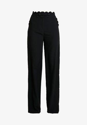 TORA SCALLOP TRIM TROUSER - Spodnie materiałowe - black