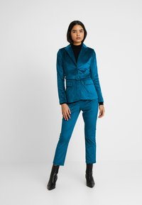 Fashion Union Tall - ELVIS FASHION UNION - Blazer - blue - 1