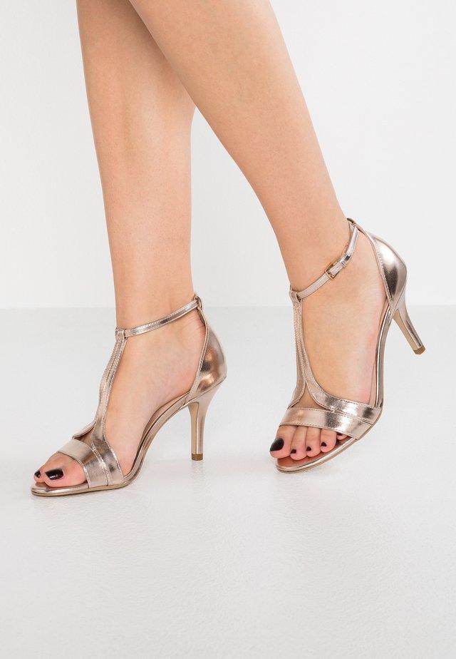 DONNA - Korolliset sandaalit - rose