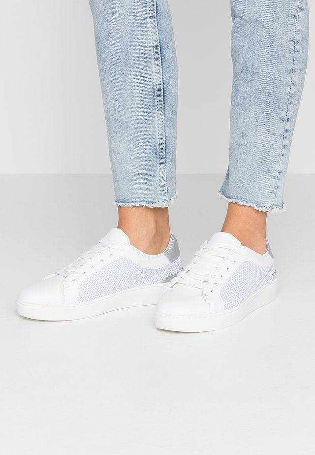 KEMBER - Sneakers basse - silver