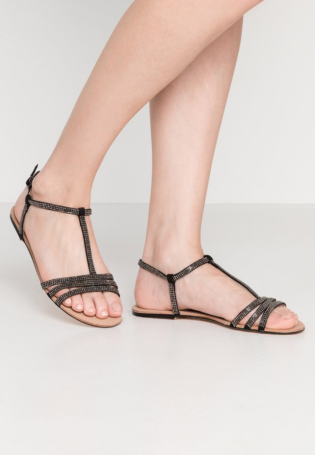 JETTIE - Sandales - black
