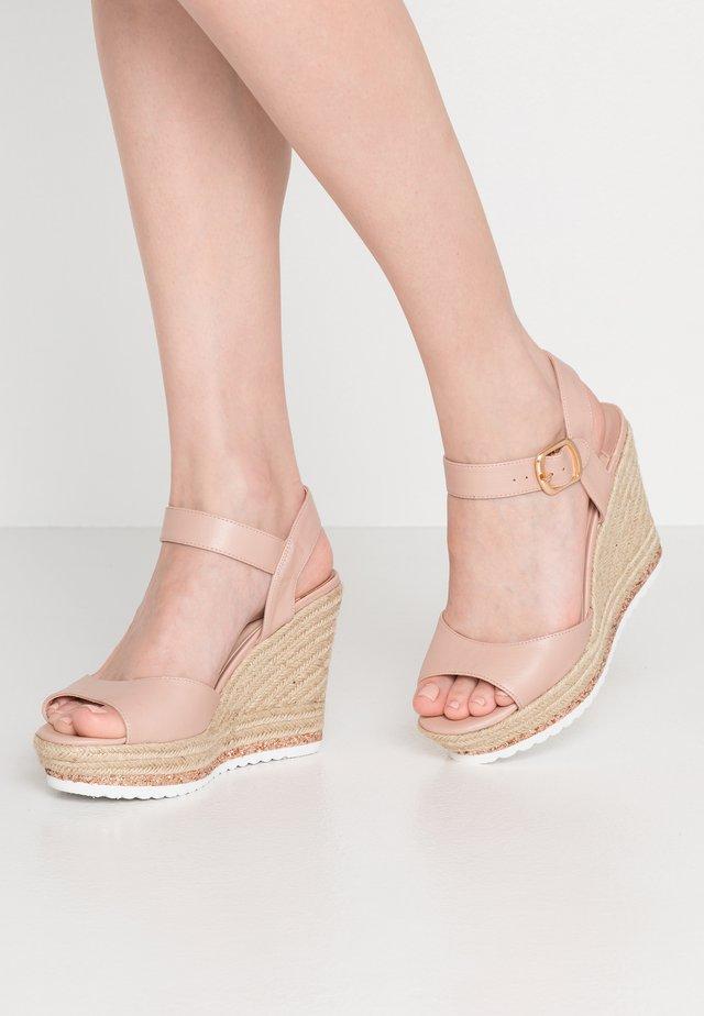 LYDIA - Korolliset sandaalit - pink