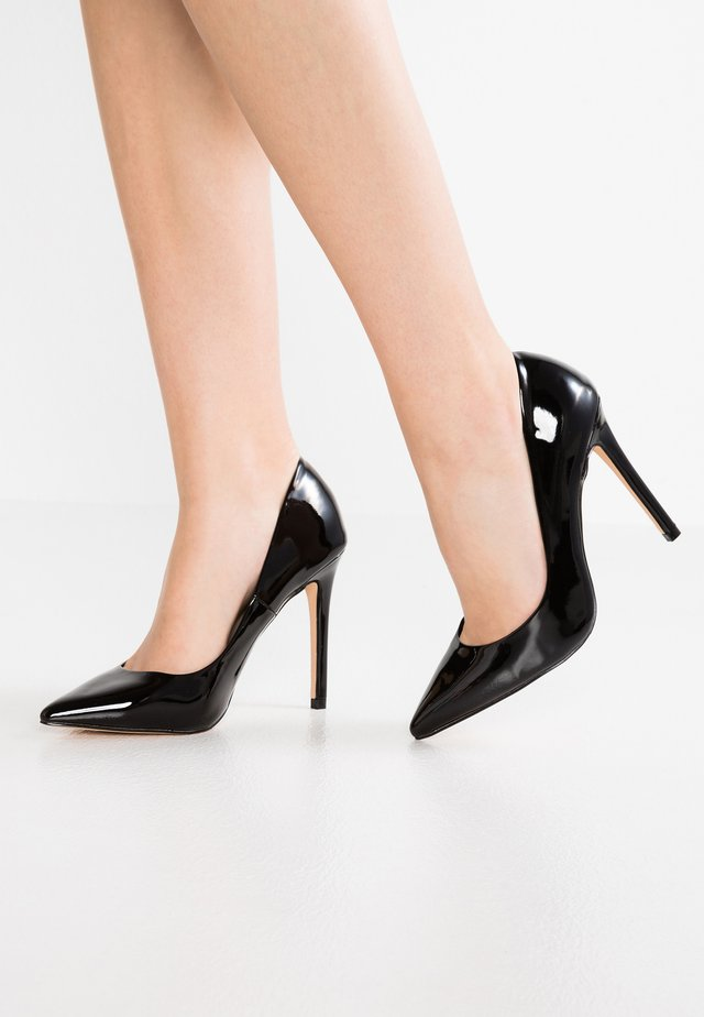 WIDE FIT - Escarpins à talons hauts - black