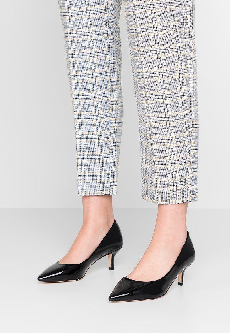 Faith - CAM - Classic heels - black