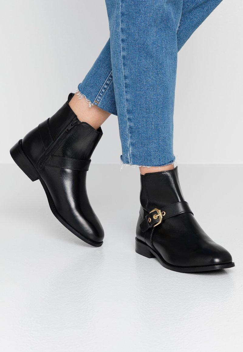 Faith - BROGANIE - Ankle boots - black