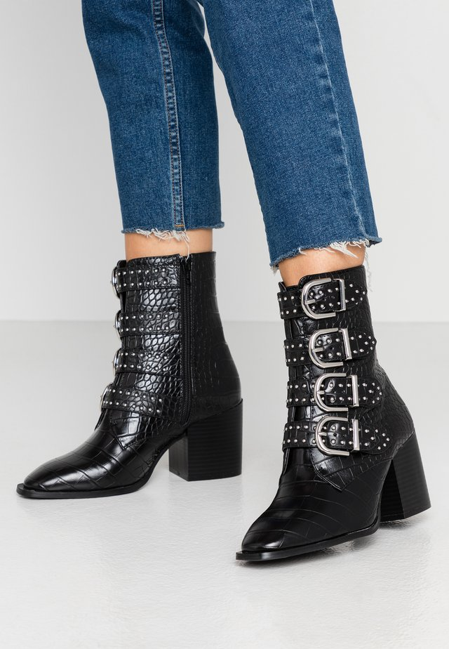 BRILLIANT - Cowboy/biker ankle boot - black