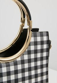 Faith - GINGHAM HANDLE GRAB - Handbag - black - 6
