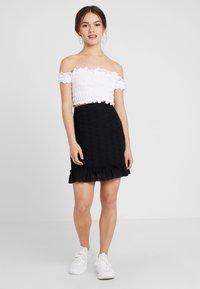 Fashion Union Petite - FASHION UNION ANGLAISE MINI SKIRT WITH FRILLED HEM - Spódnica trapezowa - black - 1